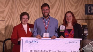 Sue Waters presents 2014 Best Student Poster Presentation Awards