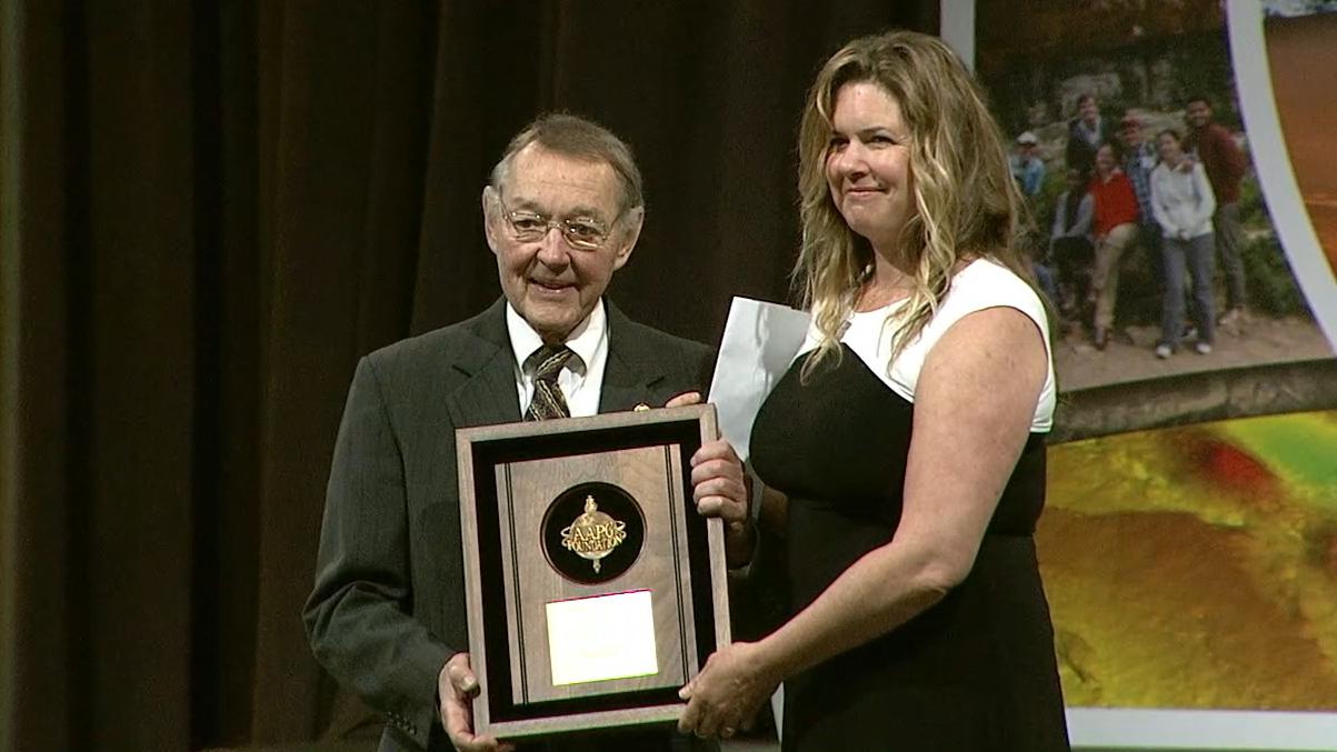 Julie Mitchell receives the 2017 Teacher of the Year Award