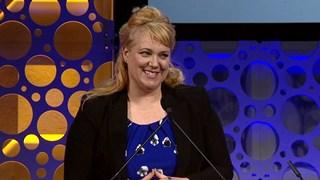 Deborah Morgan receives the 2018 Teacher of the Year Award