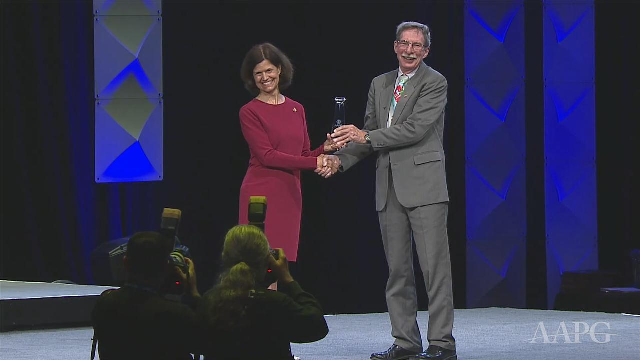 Ken Peters Receives the 2019 Sidney Powers Award