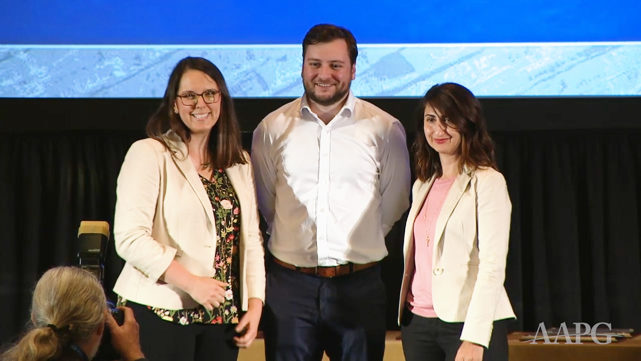 Beth Strickland and Ayse Uvwo present 2019 Best Student Poster Presentation Awards